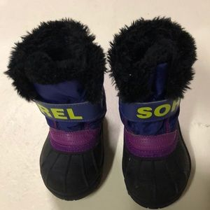 Sorel snow boots size 6 toddler